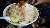 「豚らーめん(野菜増+醤油にんにく)」@麺屋 中川 本店の写真