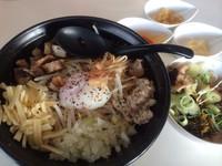 「まぜそば ➕ ランチ飯」@らーめん・つけめん 満帆 太田店の写真