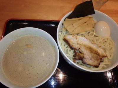 「味玉濃厚煮干しつけ麺(880円)ラ本クーポンでメンマ」@麺家 一鶴の写真