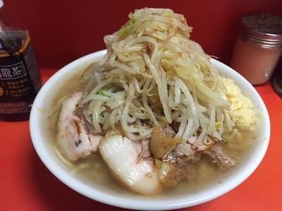 「ラーメン(小)麺カタ…ヤサイ、ニンニク、カラメ。700円」@ラーメン二郎 神田神保町店の写真