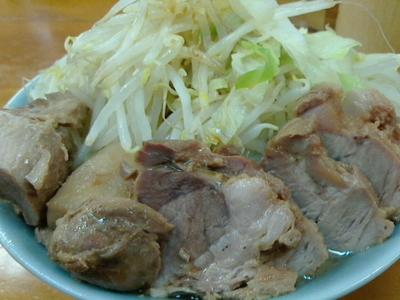 「ラーメン、豚いり」@ラーメン二郎 新橋店の写真