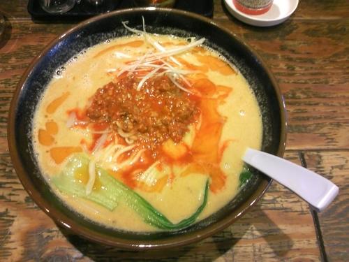 「坦々麺 +大盛(クーポン)」@ハッスルラーメンホンマ 日本橋浜町店の写真