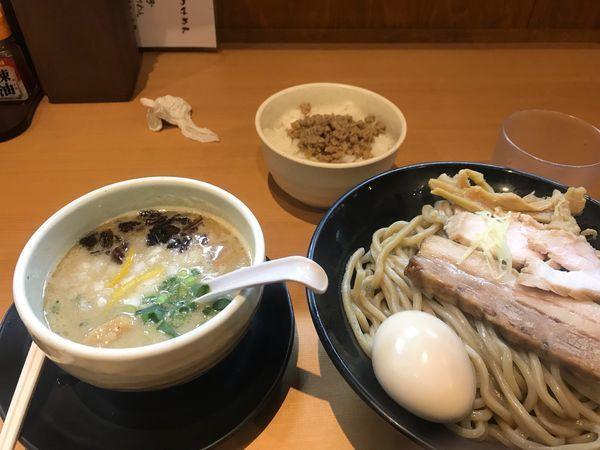 「濃厚鶏白湯つけ麺トッピング全乗せ、本日の肉飯」@麺堂 稲葉の写真