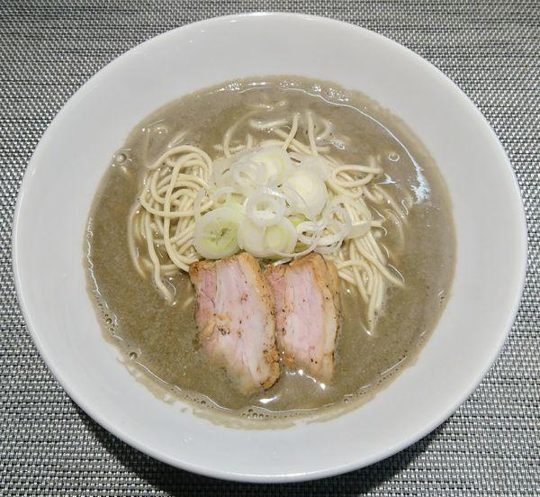 「【限定】日本三大地鶏の煮干しそば+和え玉(三大地鶏油MIX)」@煮干乱舞の写真