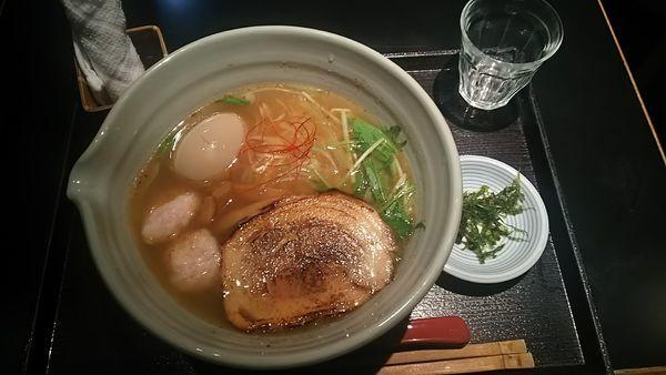 「銀笹白醤油らーめん880円、味付玉子120円」@麺処 銀笹の写真