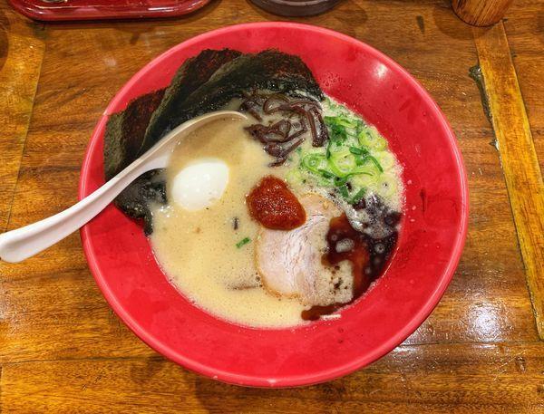「赤丸新味+味玉のり」@博多一風堂 恵比寿店の写真