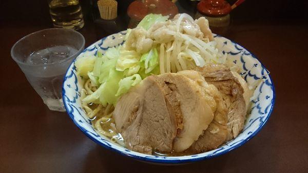「豚増しらーめん・麺増し(ヤサイ背脂マシ)¥980」@らーめん陸の写真