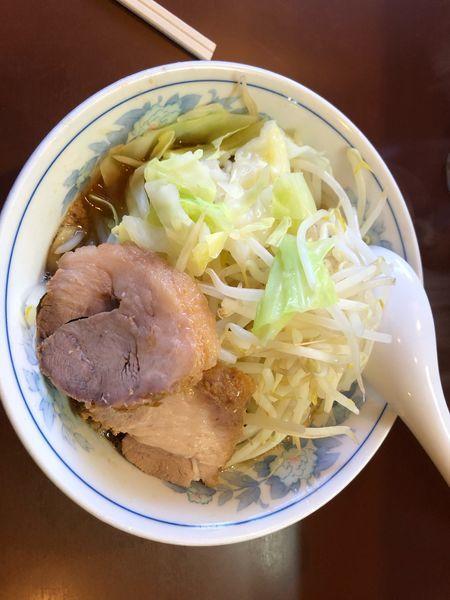 「ラーメン 少なめ 野菜 かため」@らーめん陸の写真