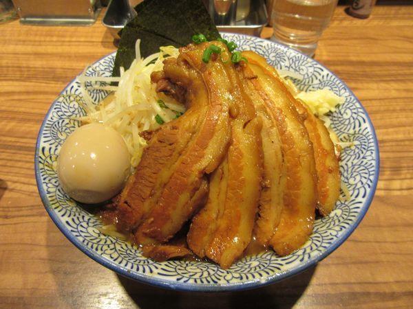 「ラーメン中盛(1000円)+豚2枚280円+味玉」@ラーメン燈郎の写真