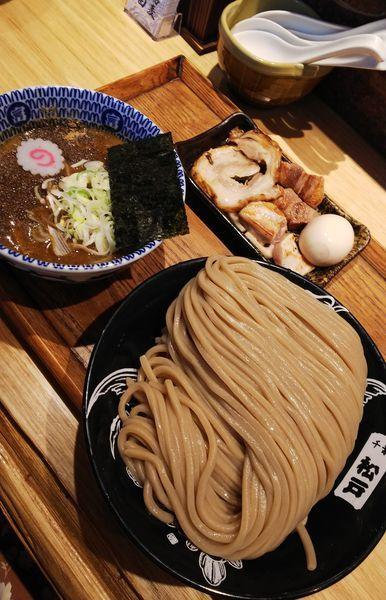 「つけめん(大)+特選全部トッピング」@中華蕎麦 とみ田の写真