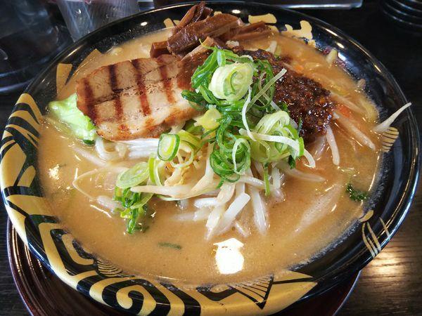 「元祖たれ味噌らーめん (麺大盛り)」@ハルピン味噌らーめん 雷蔵の写真